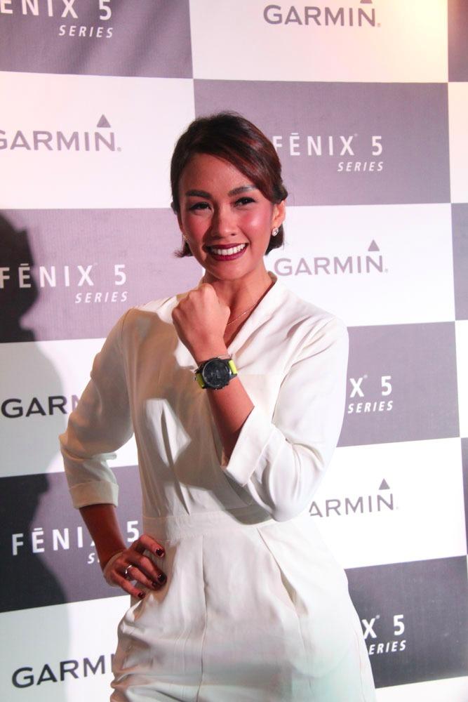 garmin fenix 5 launching